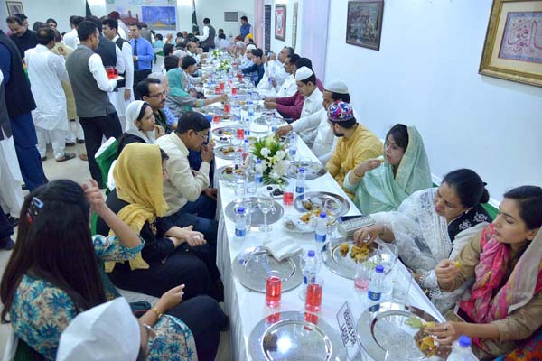 Pakistani High Commission host Traditional Iftar in New Delhi