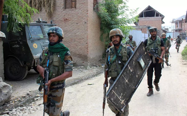 Indian forces martyr six Kashmiris in IoK's Shopian district